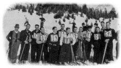 Skigruppe Luzern am Schweiz. Eisenbahner Skitag in Engelberg, im Jahre 1937